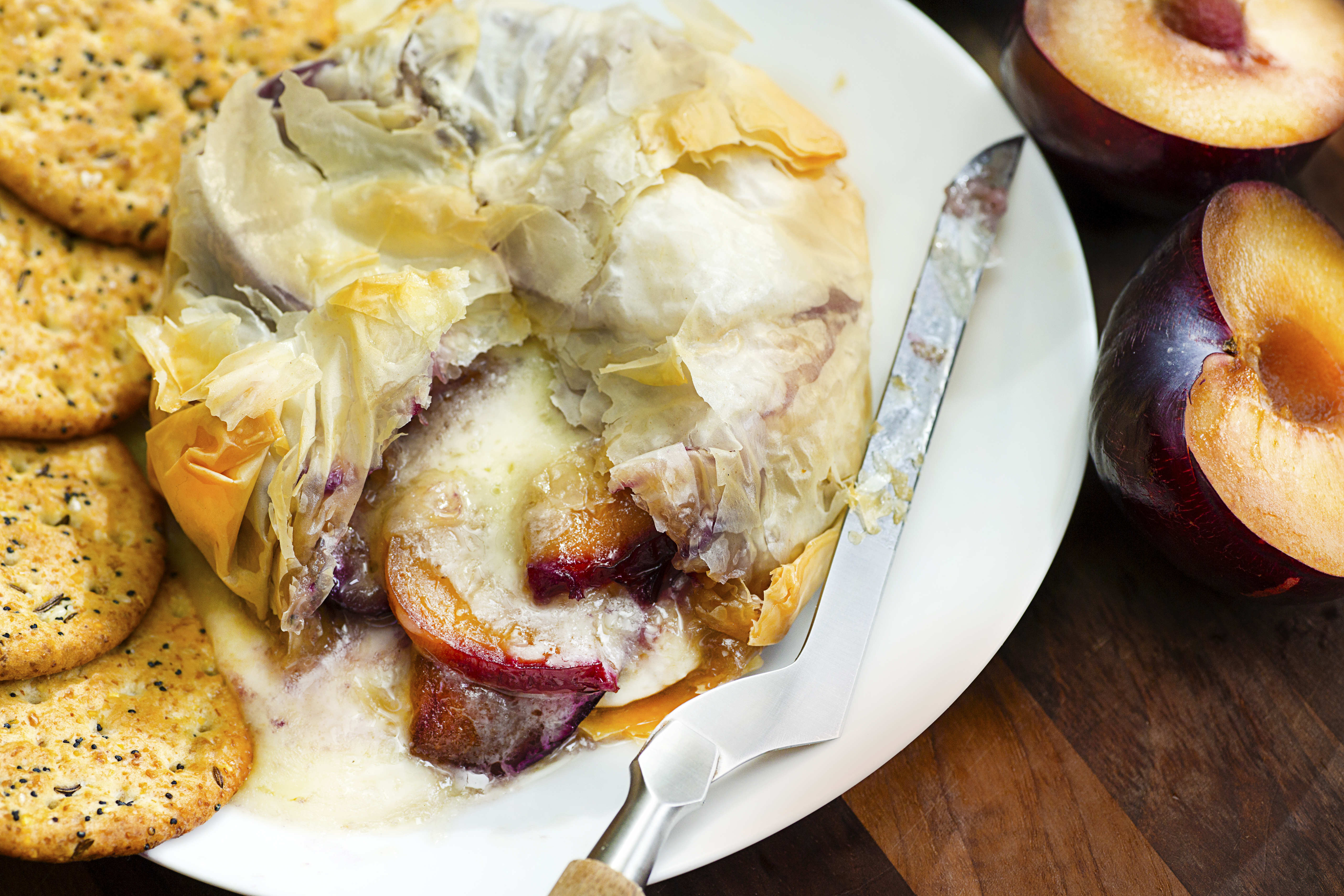 Baked Brie and Plums | Family-Friendly Recipes for Summer