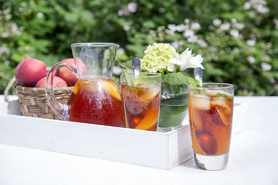 Sweet Peach Iced Tea | Family-Friendly Recipes for Summer
